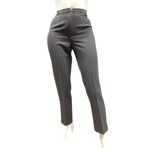 Παντελόνι σε ίσια γραμμή σε ελαστικό ύφασμα.